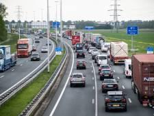 Tien kilometer file op A73, verkeer richting Nijmegen had flinke vertraging