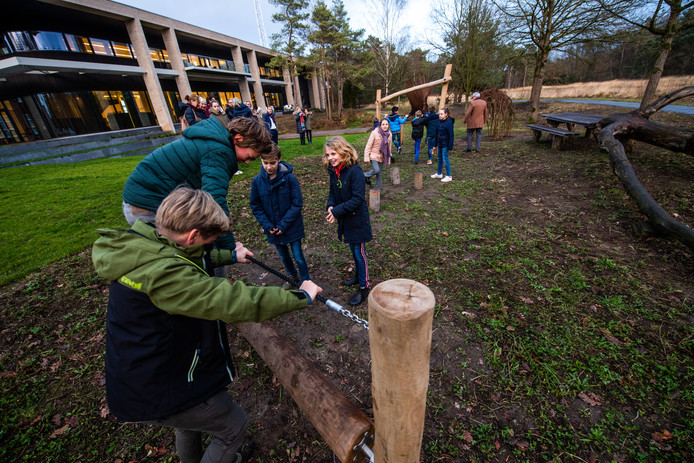 Het Huis van Waalre heeft voortaan ook een plek waar kinderen buiten kunnen spelen.