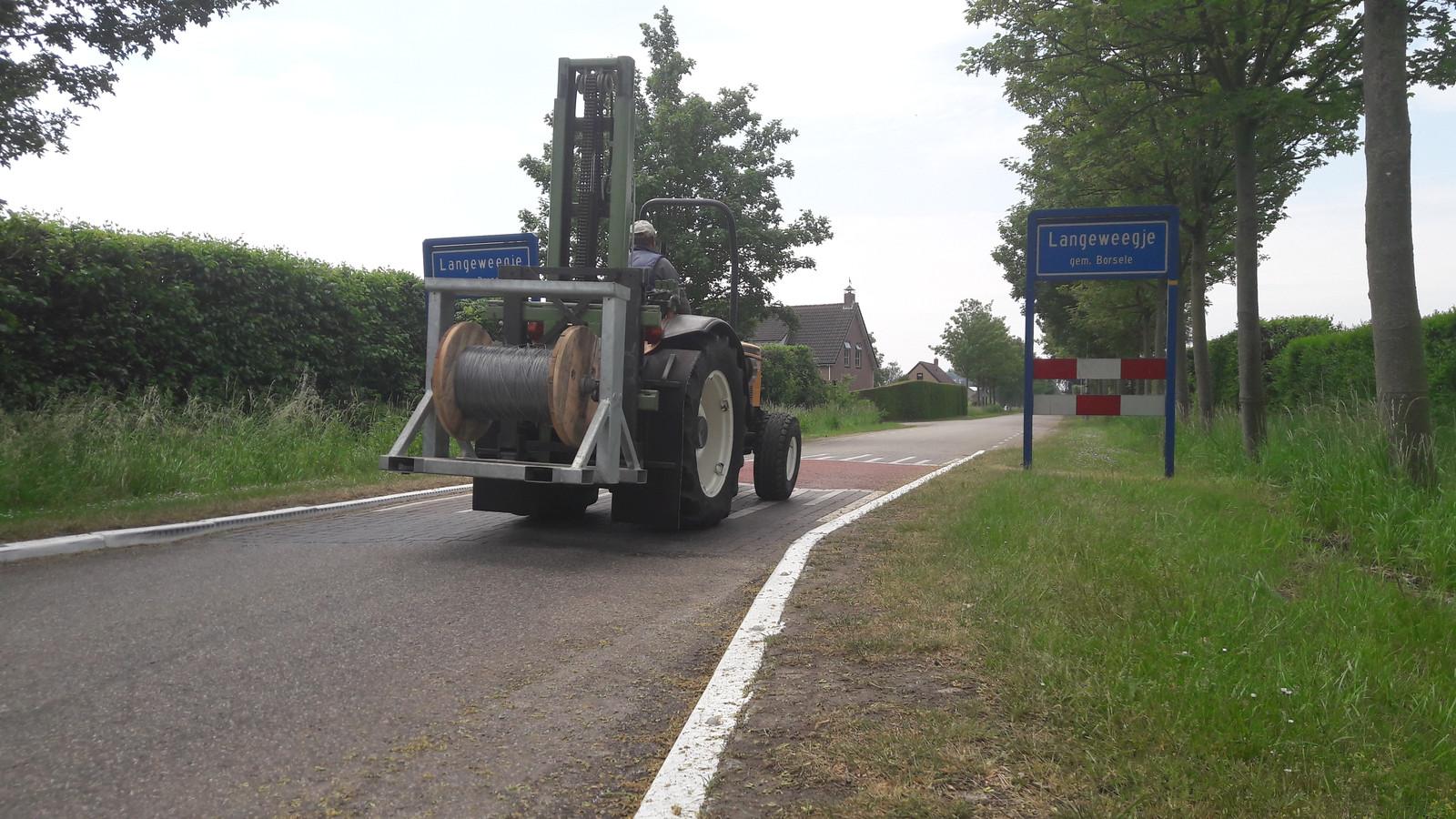 Het verkeer rijdt nu nog dwars door Langeweegje, maar in de toekomst is dat wellicht anders.