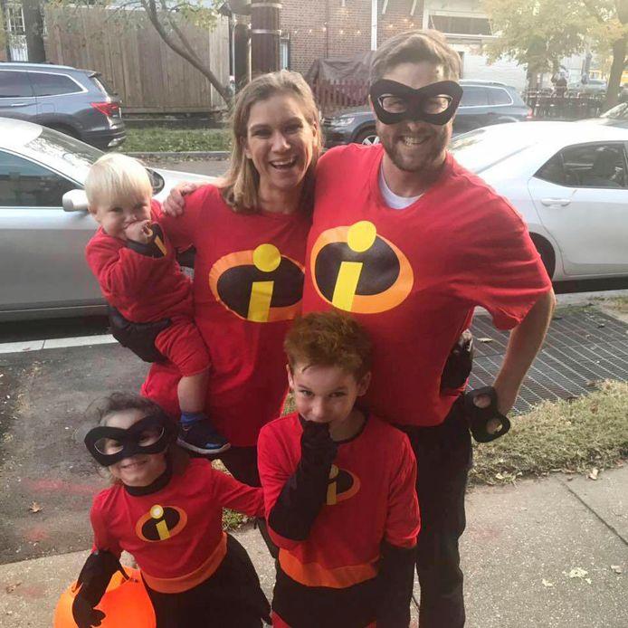 Maeve (linksboven) en haar drie kinderen, waaronder ook Gideon.