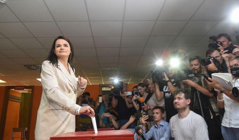 Svetlana Tichanovskaja, vrouw van een gevangen blogger en uitdaagster van Loekasjenko.