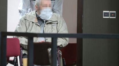 """ASSISEN. Beschuldigde legde pas twee maanden na dodelijke messteken verklaringen af: """"Hij dicteerde ons elk woord"""""""