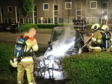 Geparkeerde auto in IJsselstein uitgebrand