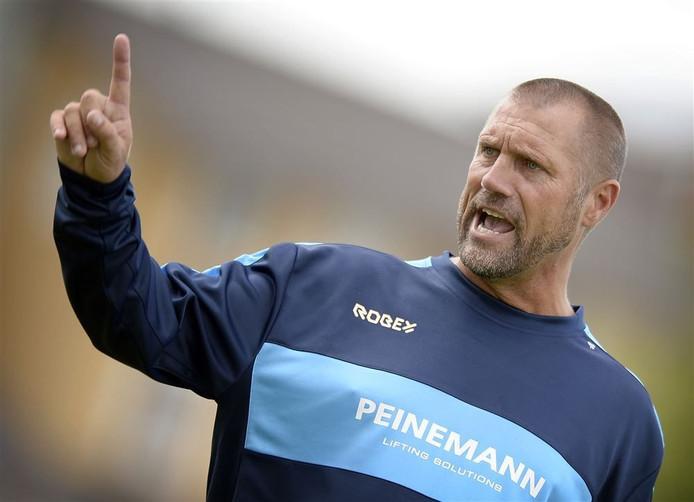 John de Wolf toen hij nog actief was als assistent-trainer van Jong Sparta.