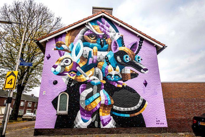 Eelco van den Berg gevelversiering/kunst Schrobbelaarstraat hoek Textielstraat TilburgI Am Eelco