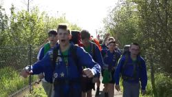 KSA-jongeren bereiken na Joepietocht van 100 km stad  X: Oudenaarde