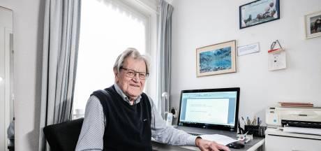 Harrie (93) uit Doetinchem schrijft ondeugende limericks: 'Ze werden gekozen tot beste van de week'