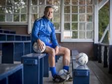 Pelupessy stapt per direct op bij Hengelo: 'Hoop op schokeffect'