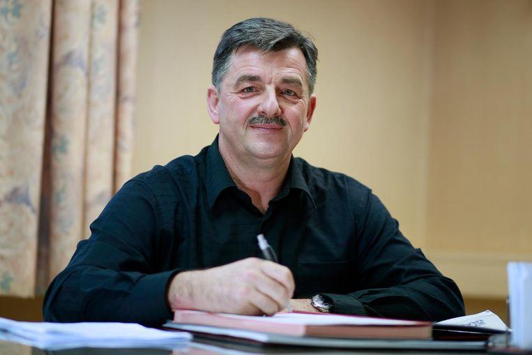 Huidig burgemeester Werner Raskin dreigt in gebreke gesteld te worden.