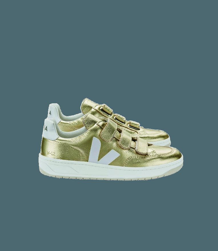 Goud aan je voeten: sneakers, Veja, € 130 via veja-store.com Beeld null