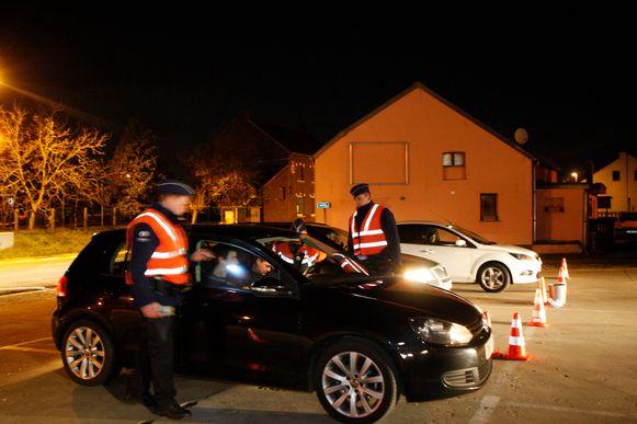 De man uit Leuven die onder invloed en bezit van drugs was bleek geen rijbewijs te hebben