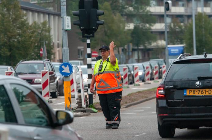 Verkeersregelaar bij de kruising Graafseweg-Lagelandstraat.