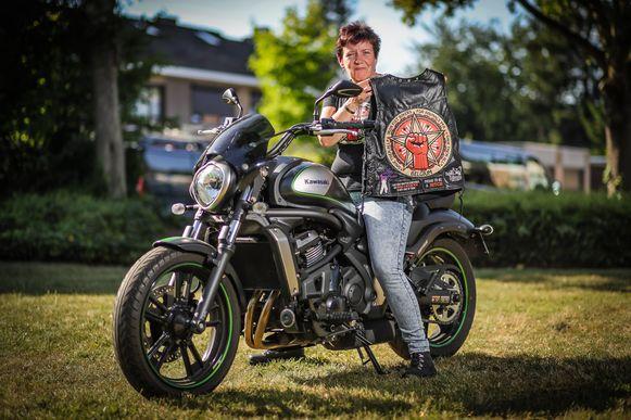 Annick Drees van vzw Iron Fist Bikers for Animals.