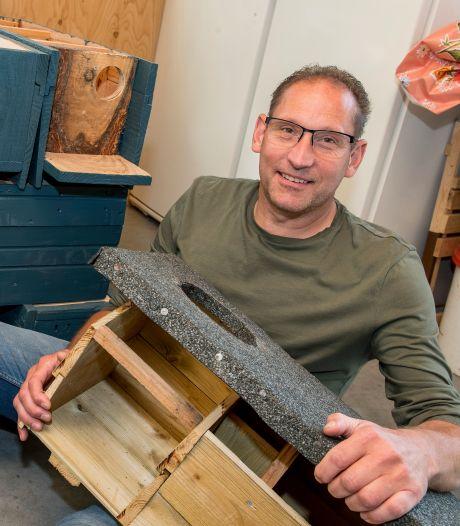 Eef onderhoudt nestkasten voor steenuilen: 'Afgelopen jaar waren er 122 jonge pullen'