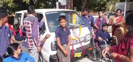 Busje voor Indiase gehandicapten dankzij Twentse hulp