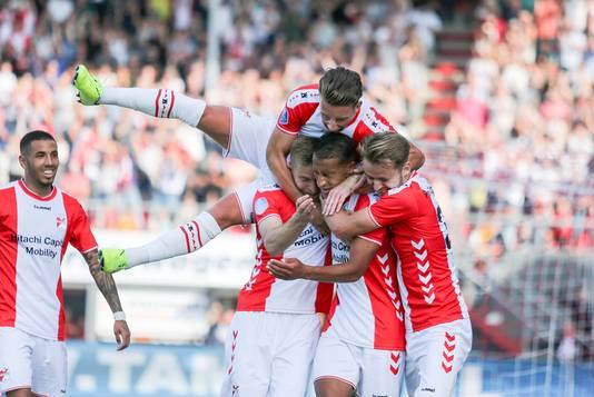 Slagveer heeft de 3-2 gemaakt namens FC Emmen.