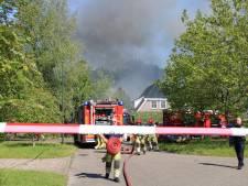 Grijze wolken boven Lelystad door grote brand op agrarisch bedrijventerrein