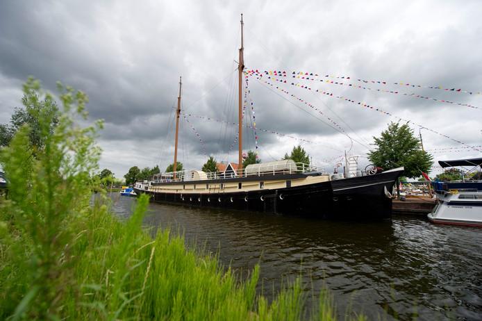 De pannenkoekenboot, hier op archieffoto  in de Almelose haven.