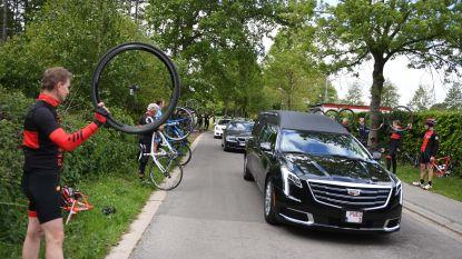 VIDEO. Mountainbikers vormen erehaag voor wielervriend André (67) die dodelijke smak maakte