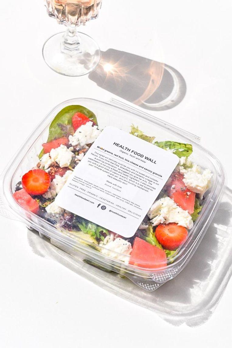 Snelders eigen favoriet: een salade met watermeloen, aardbei, feta en een vinaigrette. Beeld Health Food Wall