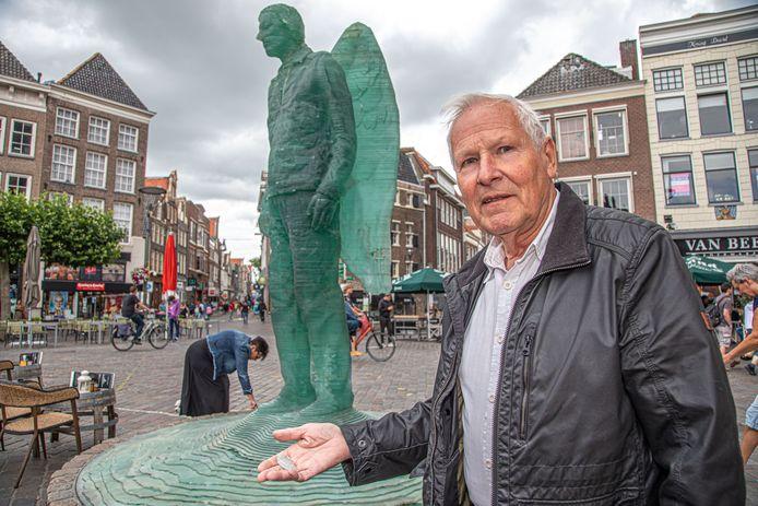 Bert Dijkink zegt als bestuurslid van de levende stadsgeschiedenis: 'Dit is beschamend'.