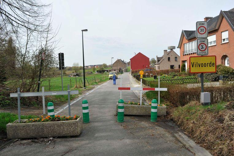 De Aardebergstraat werd een zestal jaar geleden al eens afgesloten om het sluipverkeer te weren. Daarna werd ze toch terug opengesteld.