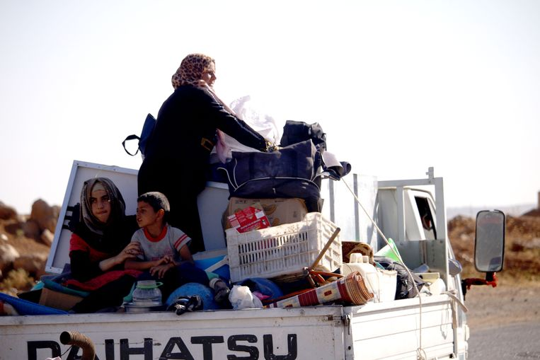 Een Syrische familie keert weer naar huis.