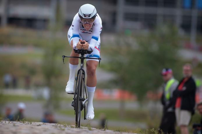 Ellen van Dijk in actie tijdens de proloog van de Boels Ladies Tour. Ook toen kwam ze ten val, maar niet zo ernstig als afgelopen zaterdag.