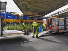 Trein botst in Breda met graafmachine: urenlange vertraging voor reizigers