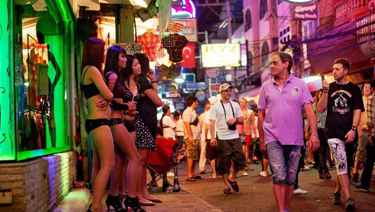 Minderjarig of niet? Dat is in Thailand niet altijd zichtbaar. In Nederland blijven vormen van kinderuitbuiting of -arbeid vaak ongezien. Beeld Getty