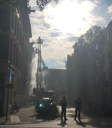 Brand Eerste Leeghwaterstraat onder controle