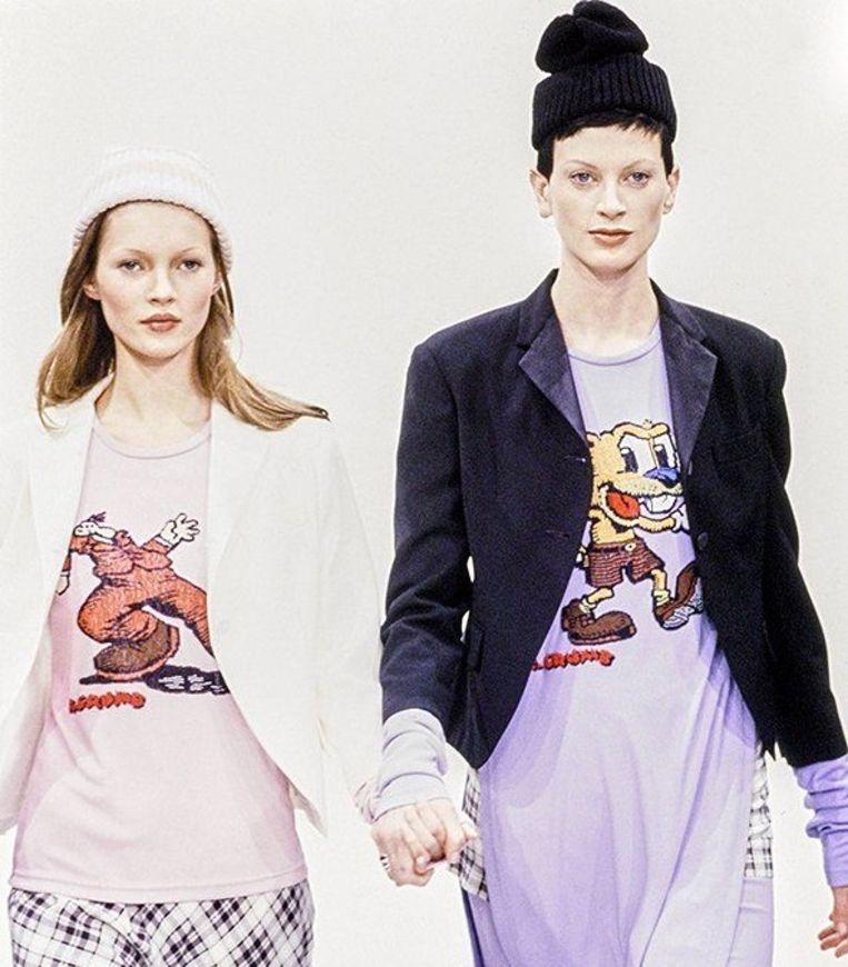 Kate Moss en Kristen McMenamy dragen stuks uit de originele 'grunge collectie'