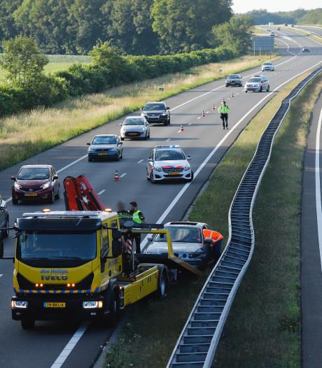 Bestuurder aangehouden na eenzijdig ongeval A73