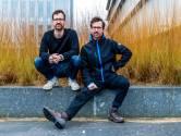 Tweelingbroers Vincent en Jesse (27) voeren actie voor het klimaat: 'We doen altijd een trui aan, want in de cel kan het koud zijn'