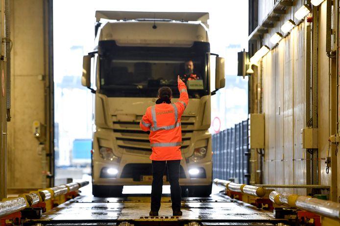 Contrôle d'un camion au port d'Anvers, en 2019