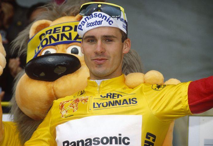 Erik Breukink in 1989 in de gele trui tijdens de Tour de France. Hij duurde maar liefst dertig jaar voordat er weer een Nederlander het tricot zou dragen: Mike Teunissen in 2019.