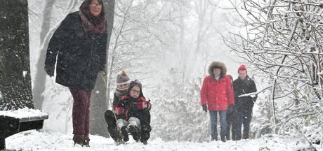 Twente bedekt onder een witte deken van sneeuw