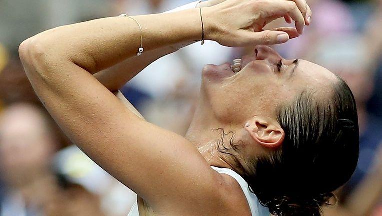 Flavia Pennetta viert haar overwinning op Roberta Vinci in de finale van de US Open. Beeld afp