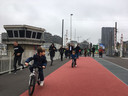 Eén van de pluspunten van de nieuwe Londenbrug: een breed fietspad in dubbele richting