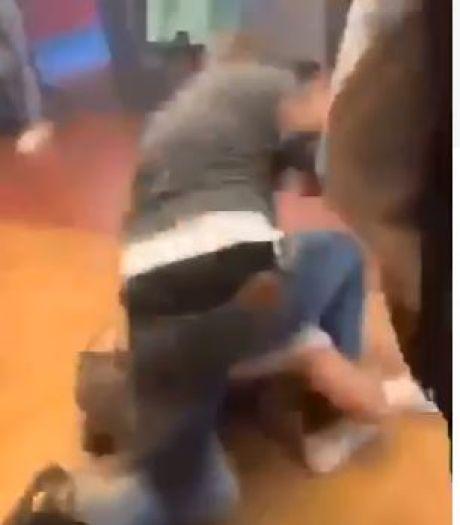Buitenstaander mishandelt jongen op school in Spijkenisse, politie en school doen onderzoek