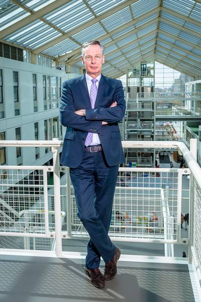Interview Albert van Wijk: Ambulance vervangt boevenwagen