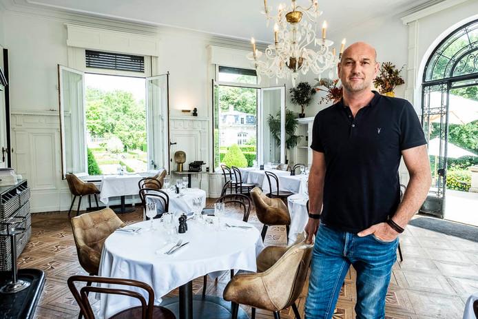 Zaakvoerder Wim Van der Borght bij de opening van Grand Café Den Brandt eind juni.