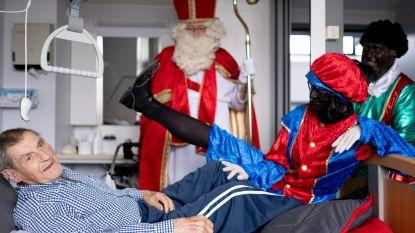 Sinterklaas bezoekt bewoners Sint-Pieter