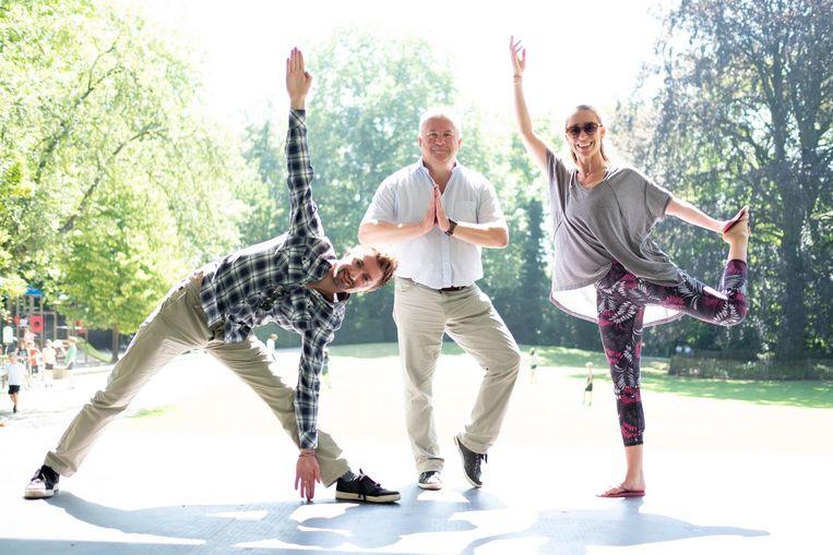 Pieter Van Bocxlaer, Walter Schroons en Nina de Man kondigen Het Grote-Yogaproject aan.