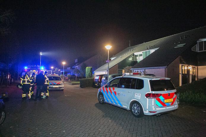 Politie bij de woning aan De Hucht in 's Heerenberg