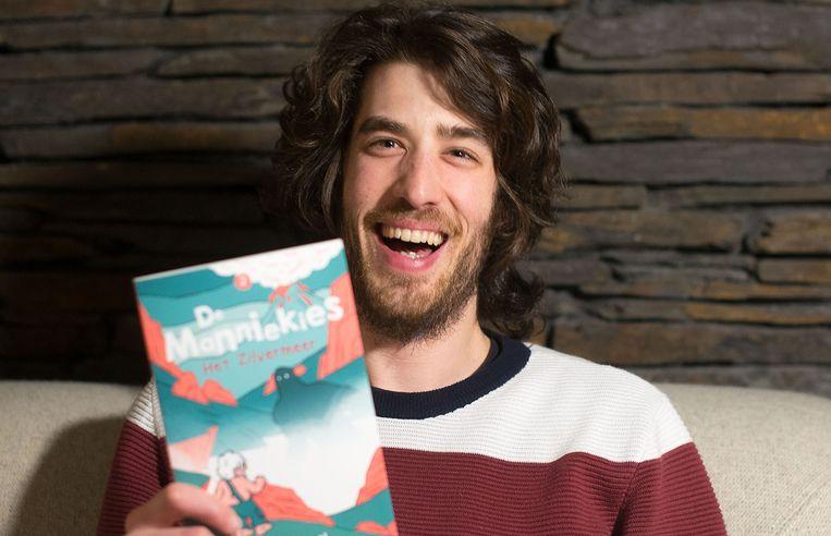 Han Lasseel (28) geeft een tweede boek uit voor kinderen die niet graag lezen.
