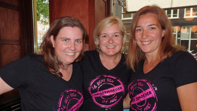 De opperloedermoeders. Organisatoren Sharon Nehoray (Moeders.nu), Melissa Peltenburg (Allinmam) en Pauline van der Meulen (Voormijnkleintje) (vlnr). Beeld Schuim