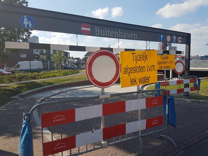 Er is een tijdelijke oplossing gevonden voor de lekkende parkeergarage Buitenhaven