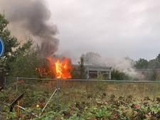 Brand in oude zadelfabriek in Dieren bedwongen, vermoedelijk is er asbest vrijgekomen