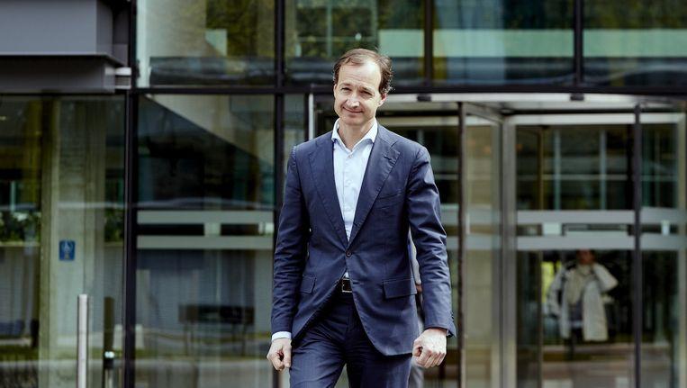 Staatssecretaris Wiebes van Financiën voor zijn ministerie Beeld anp